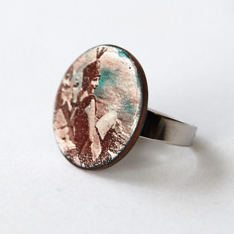 """Ring """"Mujer en la playa"""""""